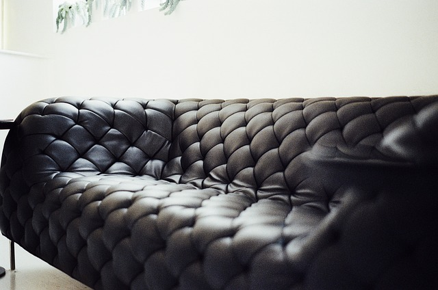 How to find a loveseat in Sydney when styling a place of business